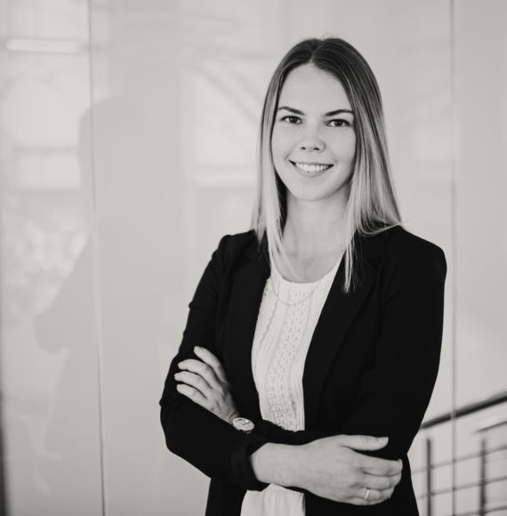 Laura Raadik